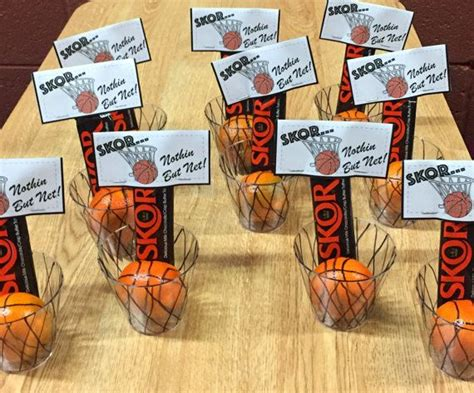 How To Make Locker Decorations At Home 17 Best Ideas About Basketball Teams On Pinterest