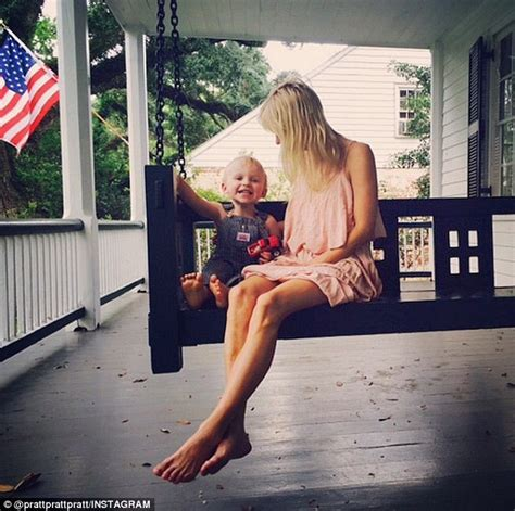 tumblr wife swing chris pratt and anna faris share snaps of their happy