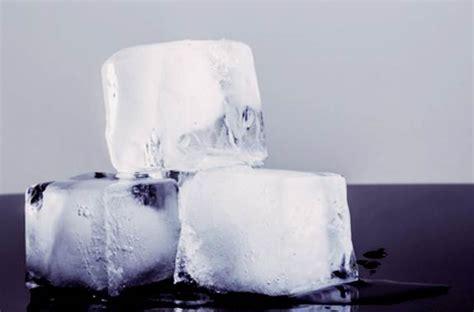 menghilangkan bekas jerawat  es batu terbukti