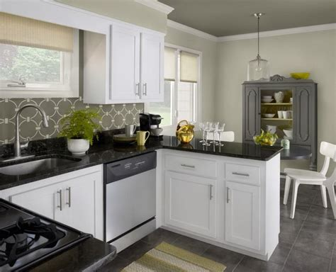 attractive kitchen color schemes with white cabinets