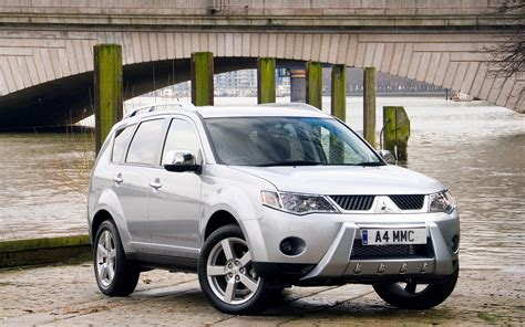 mitsubishi warrior 2010 mitsubishi outlander warrior wallpapers and images