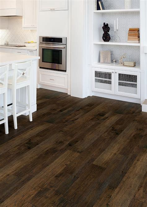 "Prefinished Engineered Hickory Casita Handscraped 1/2"" X 4"