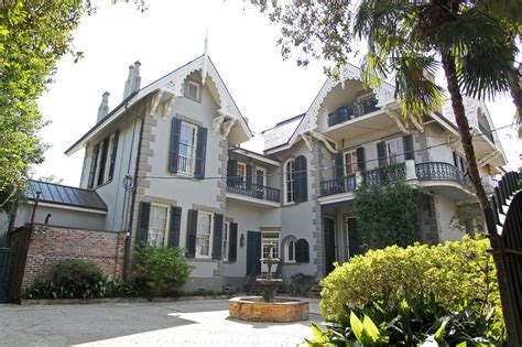 Brad Angelinas New Orleans Home by Brad Pitt And S Quarter Home In New