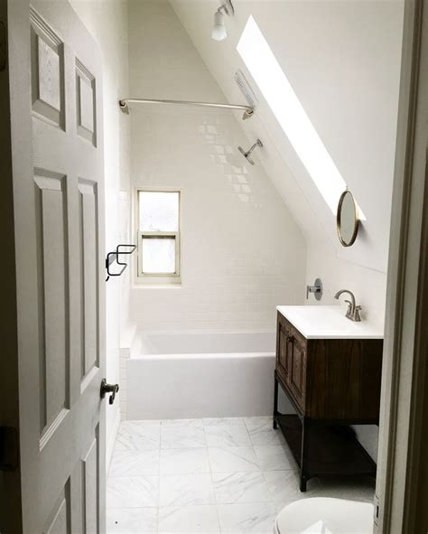 30 cool attic bathrooms decorating design of 33