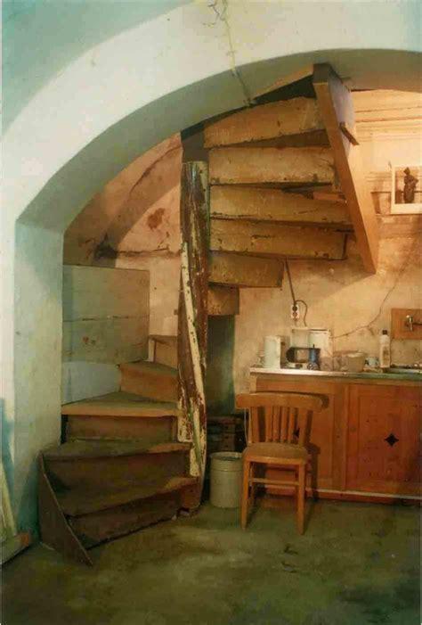 wenteltrap oud helsloot trappen antieke monumentale houten spiltrap