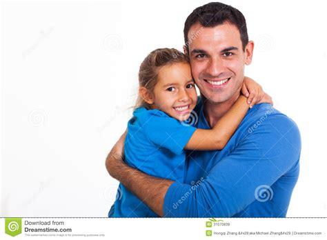 una nueva hija y papa xx padre que abraza a la hija imagen de archivo imagen de
