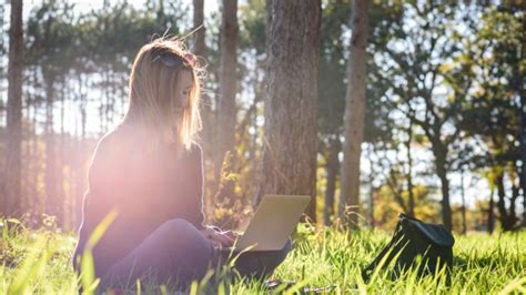 best outdoor careers the 10 best outdoor jobs for nature lovers ulearning