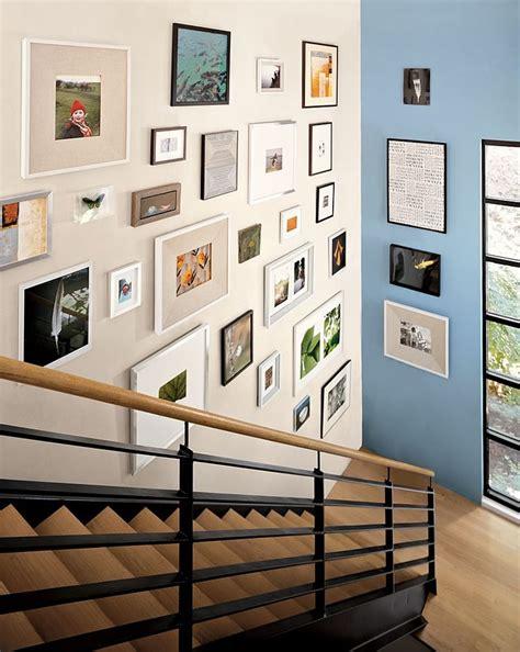 Staircase Wall Decor Ideas by C 243 Mo Colgar Y Distribuir Los Cuadros Estiloambientaci 243 N