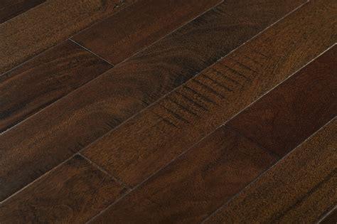 FREE Samples: Mazama Hardwood   Handscraped South American