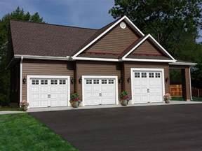 house with 3 car garage 77 best 3 car garage plans images on pinterest garage