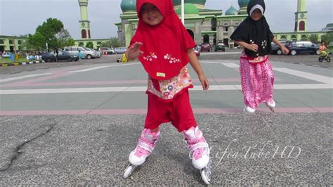 Sepatu Roda Gambar sepatu roda mainan anak lifia niala learn how to play