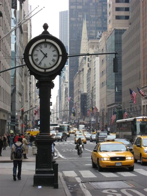 best ave fifth avenue new york known to be a paradise for