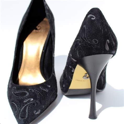 house of dereon shoes 49 off house of dereon shoes black suede floral pumps from lily s closet on poshmark