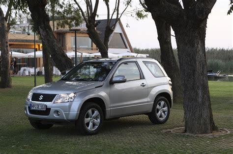 Suzuki Grand Vitara 1 6 View Of Suzuki Grand Vitara 1 6 Photos Features