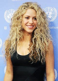 shakira s hair is amazing hair pinterest 1000 images about hair on pinterest shakira shakira
