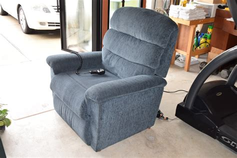 kingwood lazy boy luxury lift power recliner excellent