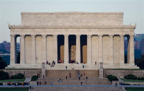description of the lincoln memorial file lincoln memorial early morning jpg wikimedia commons