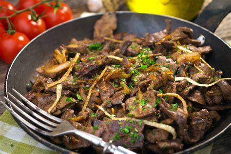 cucinare fegato di vitello fegato alla veneziana ricetta consigli e tempi di cottura
