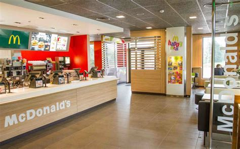 What Time Does Mcdonalds Dining Room Open by Mcdonald S The Shops At Boca Center A High End