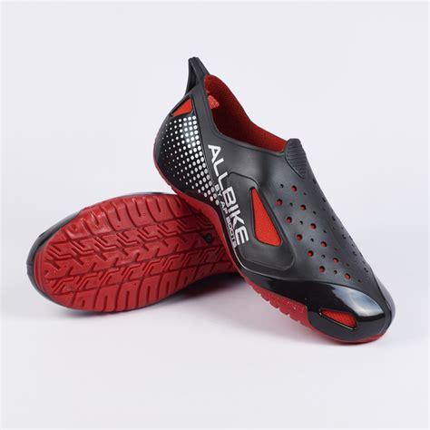 Daftar Sepatu Boot Karet Murah sepatu safety karet sepeda motor all bike ap boots hujan allbike 100 original merah elevenia