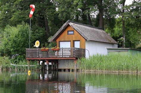 Einsame Hütte Am See Mieten by Bootshaeuser De Detailansicht