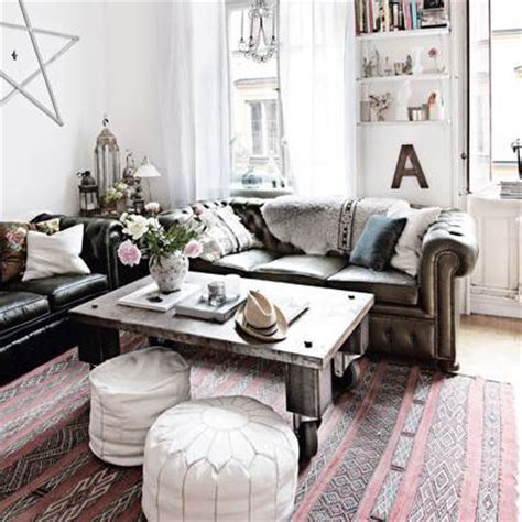 decorating with coffee table ideas and photos popsugar home - Coffee Table Decoration Ideas