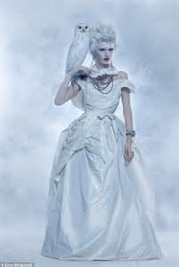 Fashion: The ice maiden stunneth   Daily Mail Online