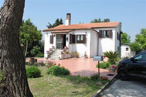 vendita casa ancona ville bifamiliari in vendita a ancona cambiocasa it