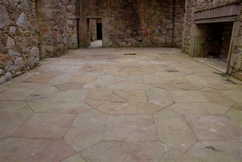 www floor file tolquhon castle detail of floor in main hall jpg