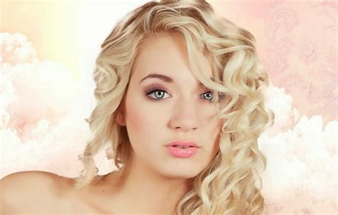 The Countries with the MOST BEAUTIFUL WOMEN in the World Most Beautiful Russian Women In The World