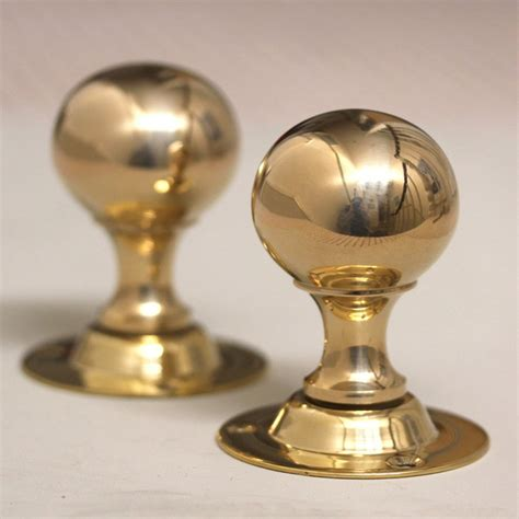 brass door knobs antique style