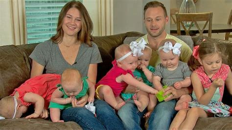 los busby tlc bustle at the busbys stars of outdaughtered live on