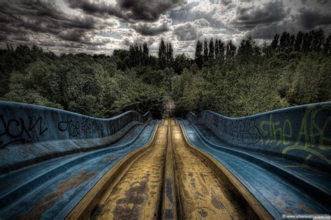 abandoned amusement park 16 eerie abandoned theme parks hammer
