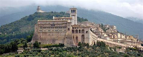 assisi day trip from rome italy limousine