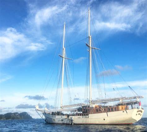 Gelang Mutiara Laut 6 sailing through the raja at islands with mutiara laut www traveltomtom net