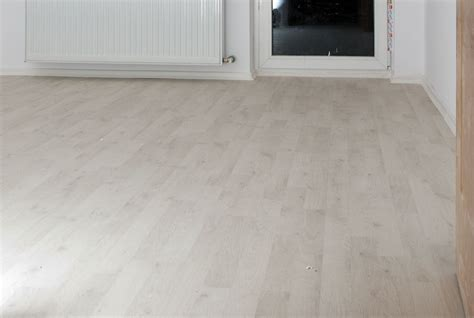 download installing laminate flooring under door jambs