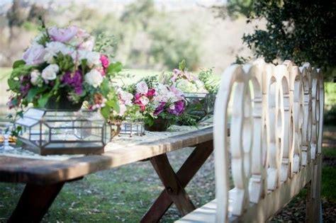 fiori decorativi arredare un giardino in stile shabby chic per la primavera