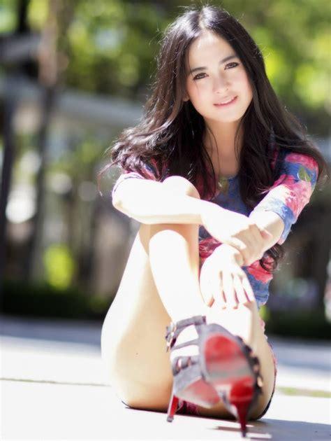 10 negara asia dengan wanita paling cantik