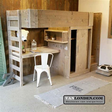 stapelbed met bureau steigerhouten hoogslaper met bureau harry vanlonden