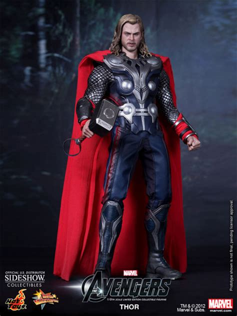 marvel film memorabilia marvel thor sixth scale figure by hot toys sideshow