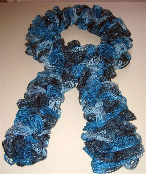 how to knit a frilly scarf sashay frilly scarf bunks