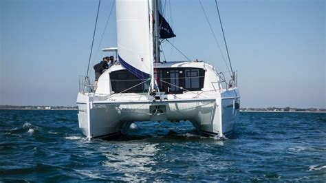 catamaran boat difference catamaran vs monohull sailing what are the differences
