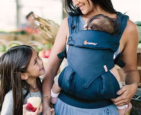 Gendongan Ergo Baby 360 Midnight Blue 4 Posisi ergobaby four position 360 baby carrier midnight blue great daily deals at australia s