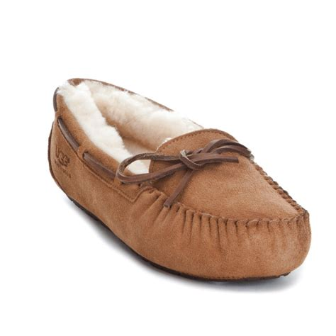 wash ugg slippers can you wash ugg leather slippers