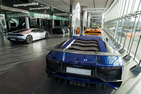 Showroom Lamborghini Do Check Out The Largest Lamborghini Showroom If You Visit