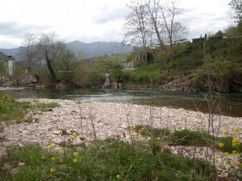 a orillas del rio 0062514628 a la orilla del rio les arriondes