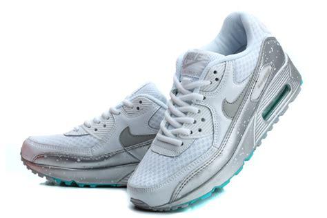 Nike Schuhe Damen Günstig 820 by Nike Air Max 90 Wei 223 Silber