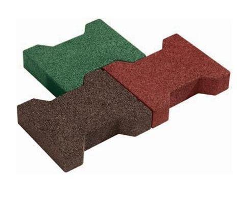tappeti antitrauma per esterni mattonelle antitrauma