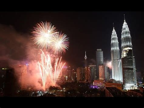 new year fireworks klcc countdown fireworks and water show new year 2015