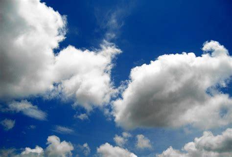 Biru Langit file mendung di langit biru 1 jpg wikimedia commons